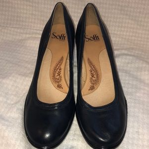 New navy blue Sofft shoes 9 1/2M